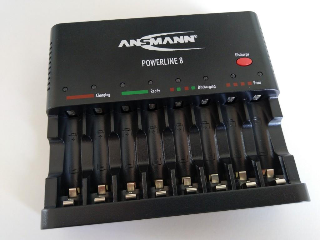 Ansmann Powerline 8 Akku-Schnellladegerät für Mignon AA und Micro AAA Akkus