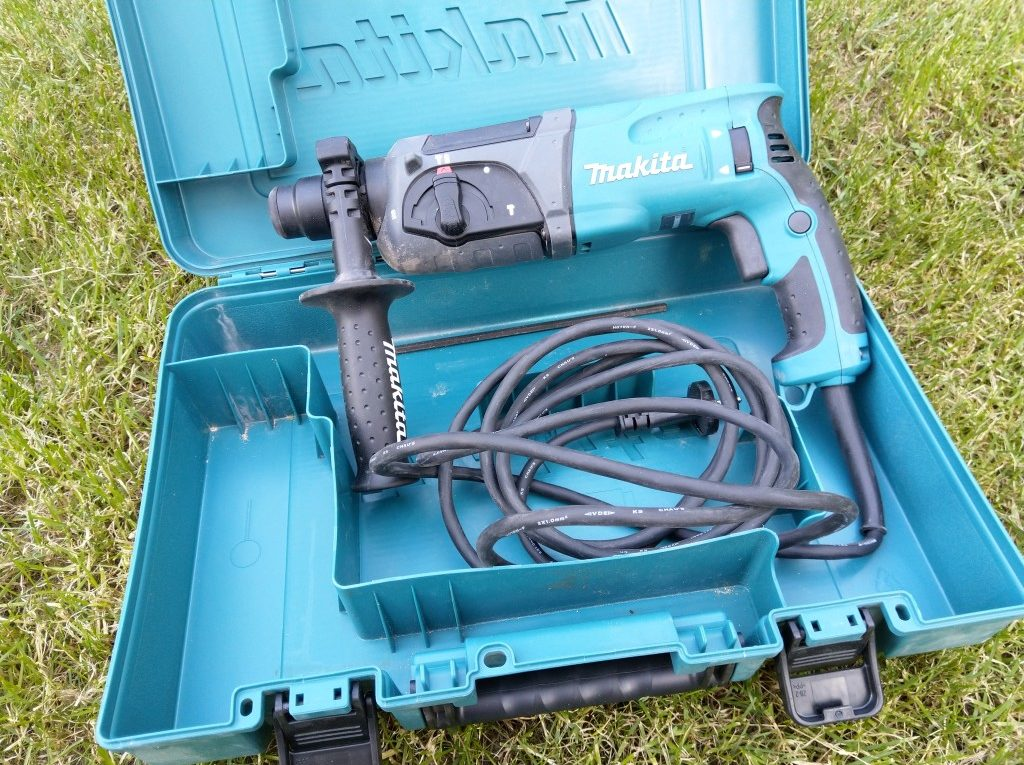 Makita HR 2470 SDS Plus 780 Watt Bohrhammer